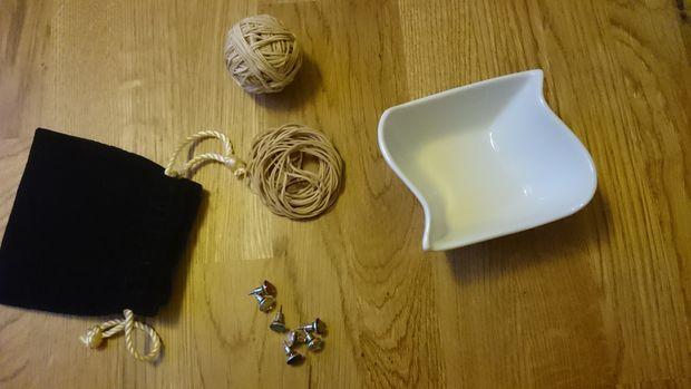 Как сделать идеальный держатель для сережек (и не только) почти из ничего