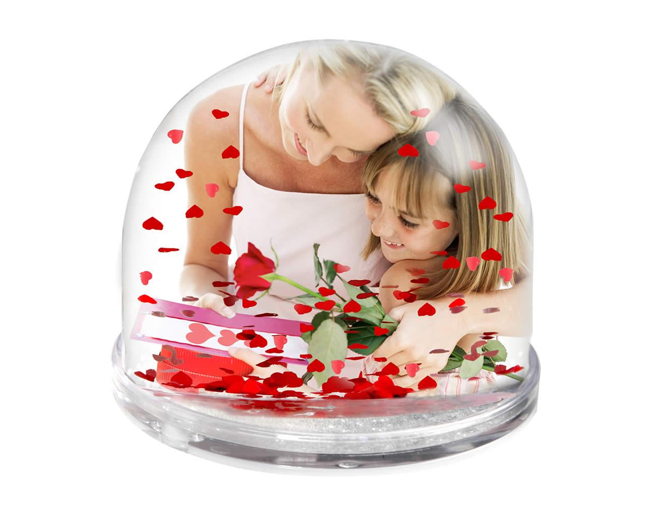 аналог снежного шара с сердечками