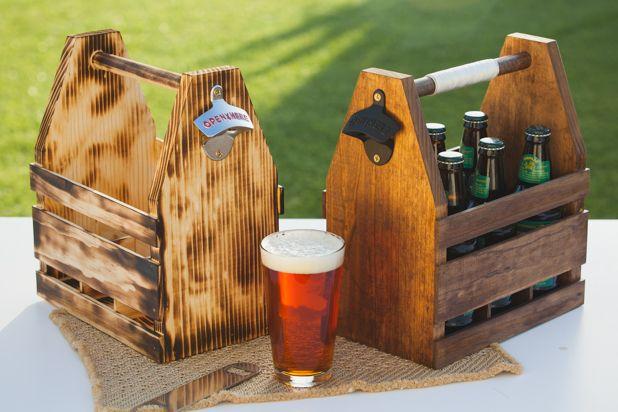 деревянные ящики для пива, покрытые разной морилкой