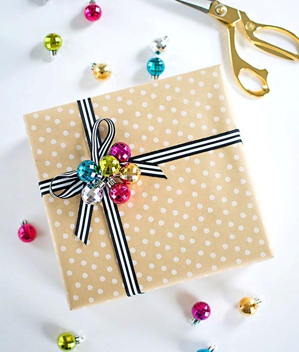 Как красиво упаковать подарок, используя обычную крафт-бумагу (часть 2)