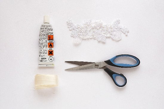 Как за пять минут сделать эффектный свадебный аксессуар для волос
