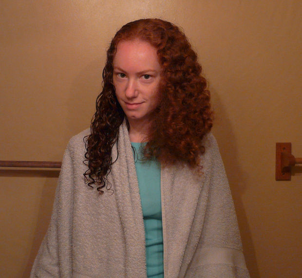Половина волос с домашним гелем-кондиционеровм из льна, опловина просто вымытая