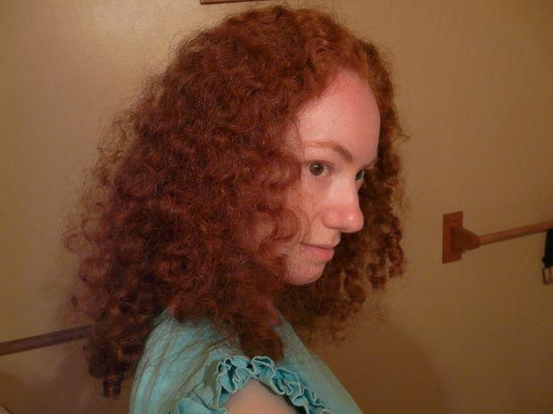 Вьющиеся от природы волосы до нанесения домашнего льняного кондиционера-фиксатора