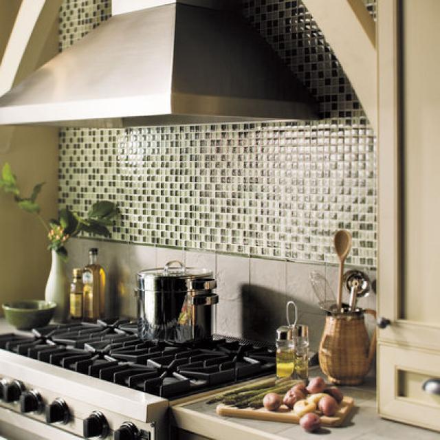 Как выбрать современный дизайн рабочей стенки/фартука для кухни - расслабляющая мозаика из мелкой плитки