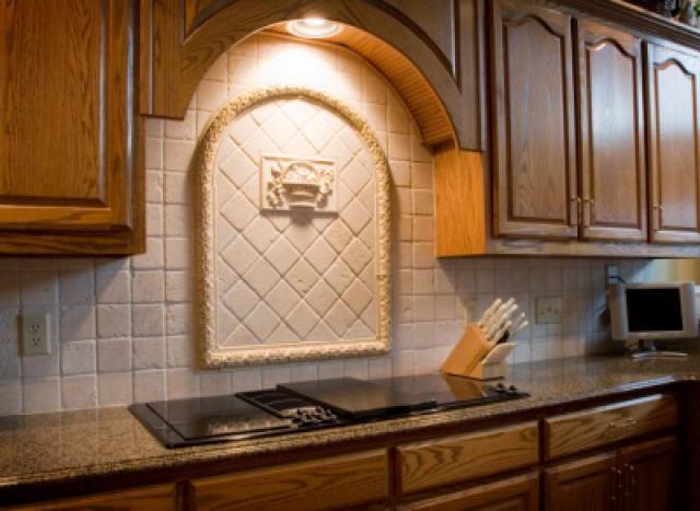 Как выбрать современный дизайн рабочей стенки/фартука для кухни - медальоны
