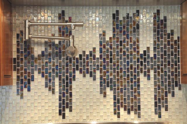 Как выбрать современный дизайн рабочей стенки/фартука для кухни - звуковая волна
