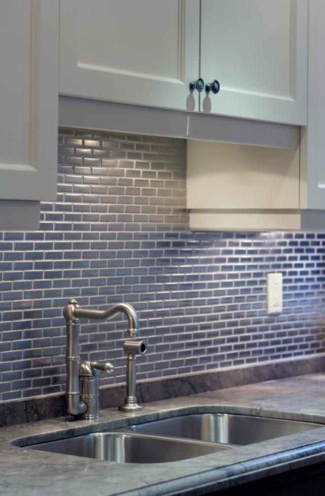 Как выбрать современный дизайн рабочей стенки/фартука для кухни - горизонтальная метроплитка