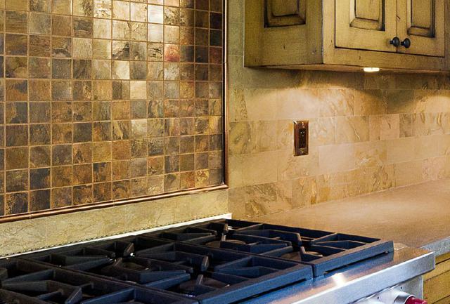 Как выбрать современный дизайн рабочей стенки/фартука для кухни - мерцающая очищенная медь