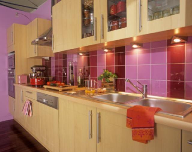 Как выбрать современный дизайн рабочей стенки/фартука для кухни - яркий дизайн