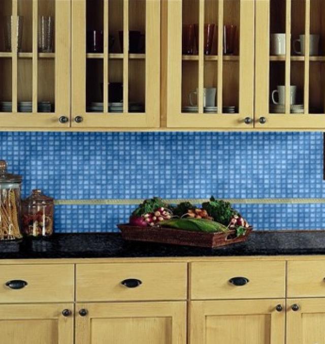 Как выбрать современный дизайн рабочей стенки/фартука для кухни - стеклянная мозаика