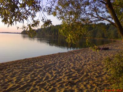 вечерний пейзаж, пляж одернут нотками заката