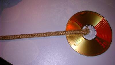 Как сделать топиарий из CD-диска и конфет