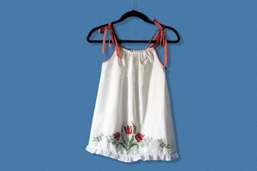 Как сшить детский сарафанчик из наволочки с вышивкой