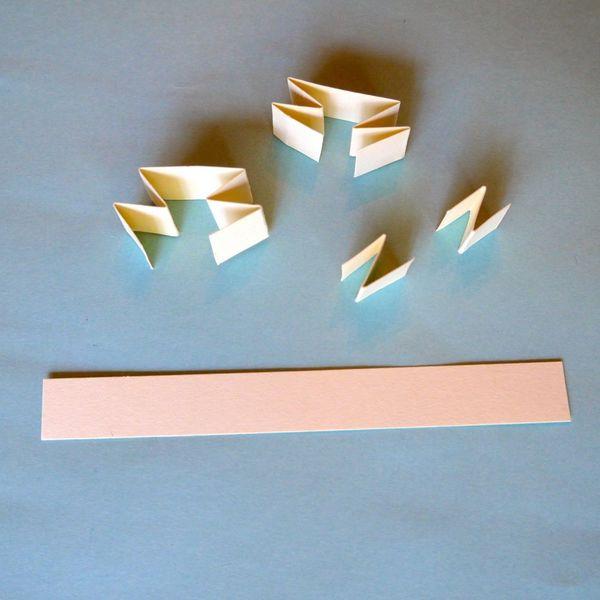 складываем полоски бумаги буквой Z