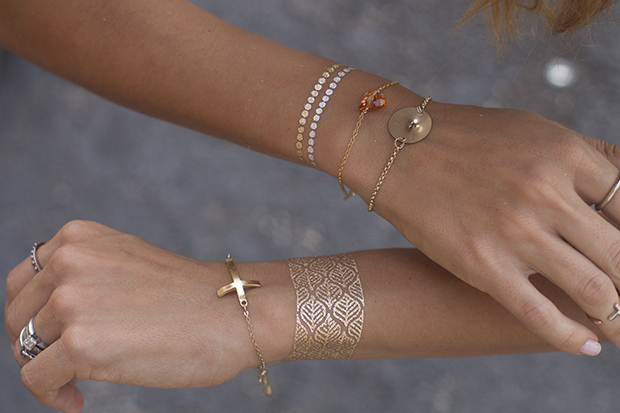 металлик-тату (временные татуировки): браслеты