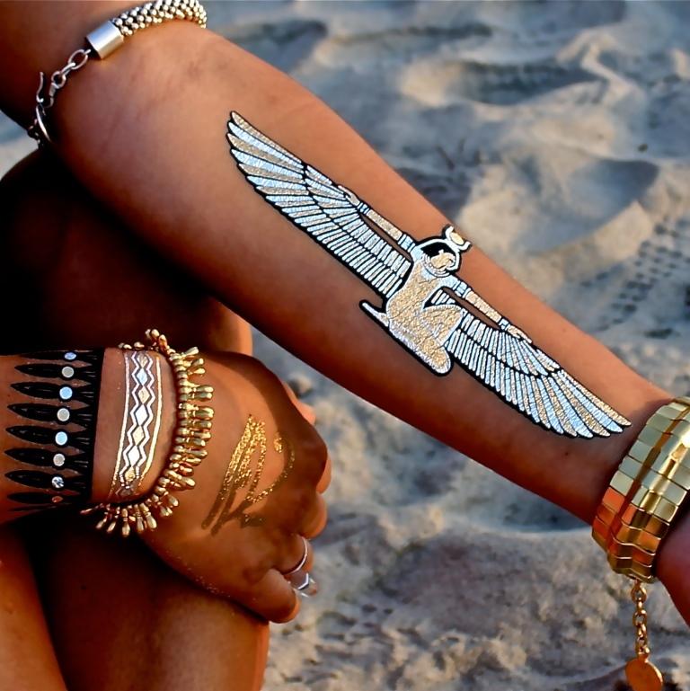 металлик-тату (временные татуировки): египетские фрески, узоры и крупные сложные рисунки