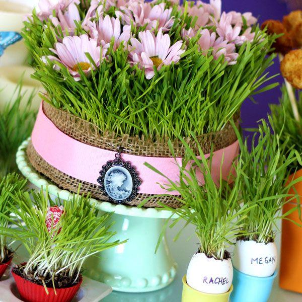 Как декорировать дом и стол молодой травой