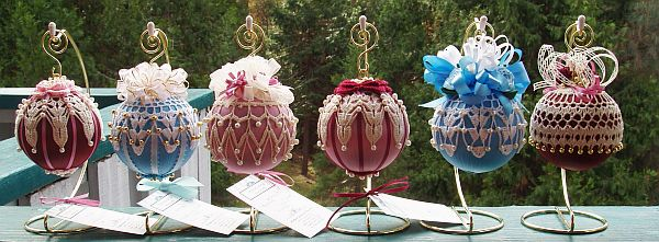 Как делать елочные игрушки своими руками: украшаем шары. Часть 1.