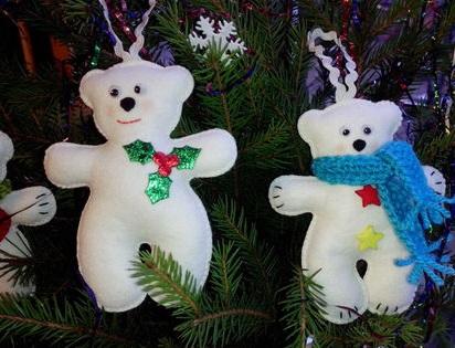 Как делать елочные игрушки своими руками: фетр, белый мишки в шарфе