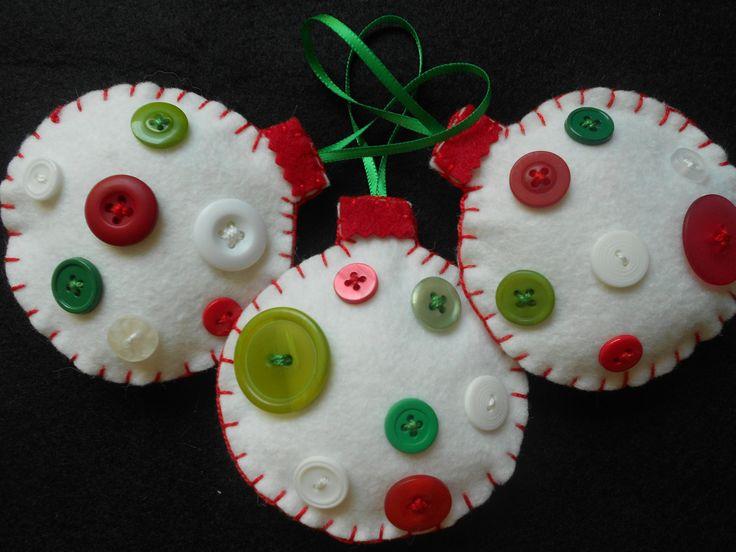 Как делать елочные игрушки своими руками: фетр, шары с пуговицами