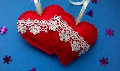 Как делать елочные игрушки своими руками: фетр, сердца с кружевом
