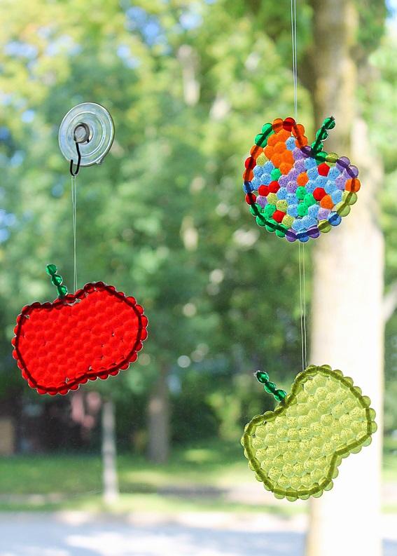 Как делать елочные игрушки своими руками: яблоки в технике плавления пластиковых бусин