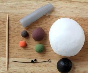 Как делать елочные игрушки своими руками: снеговик из легкой глины - исходные материалы