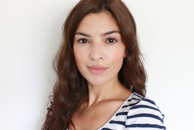 Как добиться безопасного для кожи, уместного и естественного образа в макияже для летнего отдыха