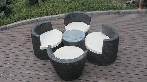 плетеная мебель, складывающаяся в скульптуру-конус