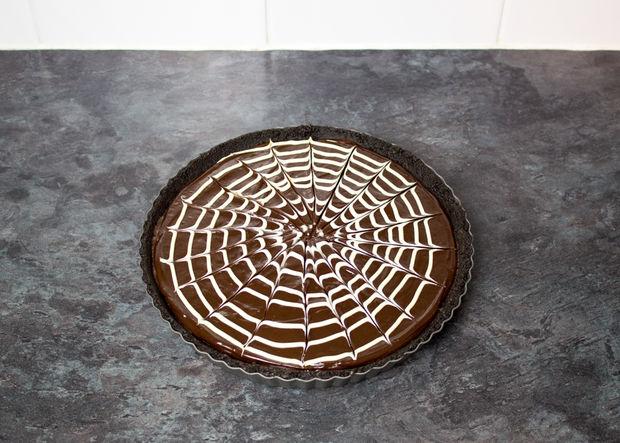 Как сделать кровавый пирог без выпечки на Хэллоуин?