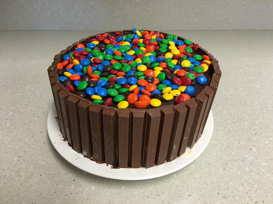 украшение торта конфетами мамба