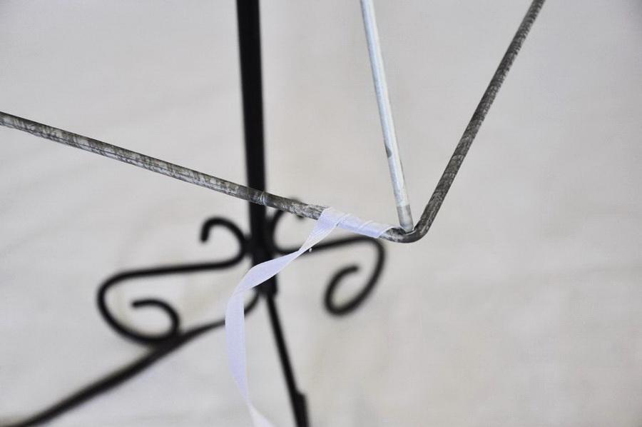 Как сделать радужный абажур из обычных атласных лент