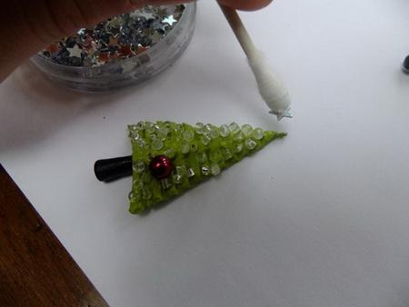 Как сделать елочку из полимерной глины?