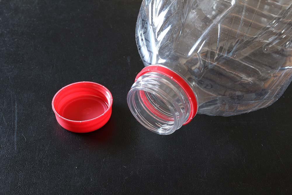 кольцо от пластиковой бутылки