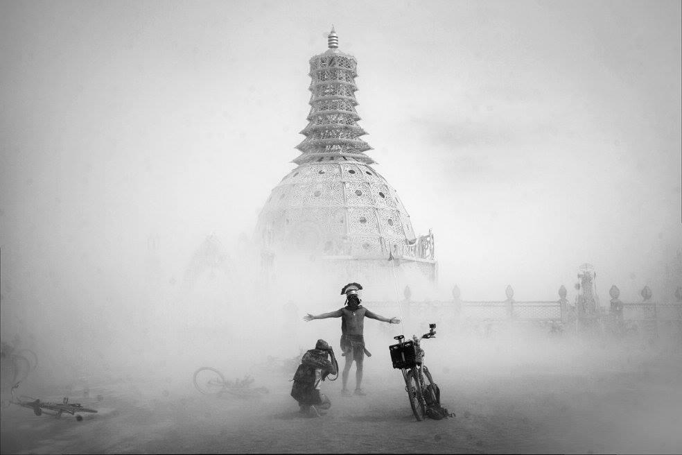 ежегодный сюрреалистический фестиваль «Горящий человек» (Burning Man): постройка и костюма с тиле майа