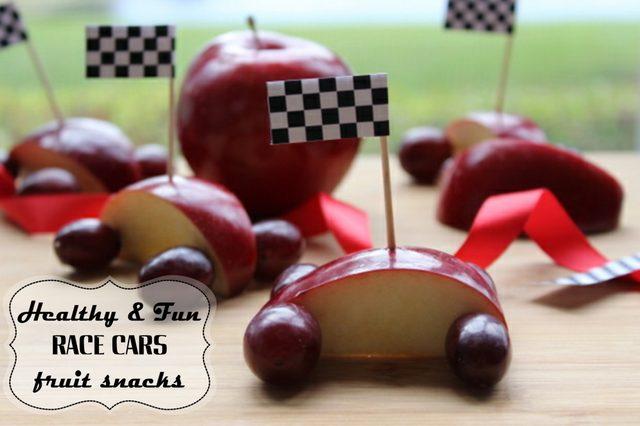 Как сделать машинки из яблок и винограда: веселые и полезные гонки