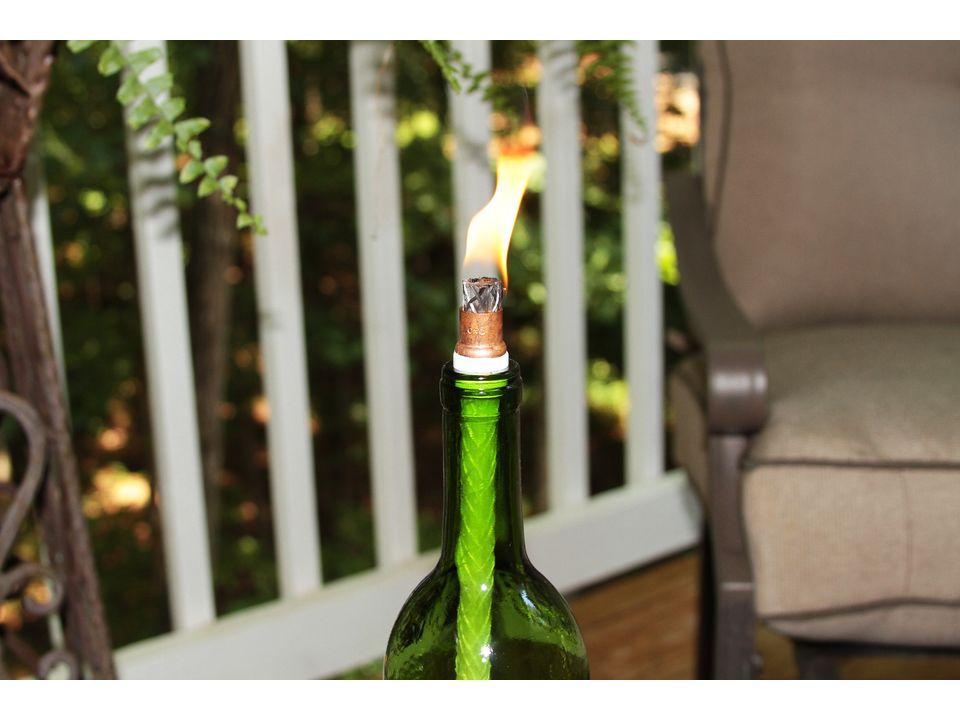 факел из виной бутылки