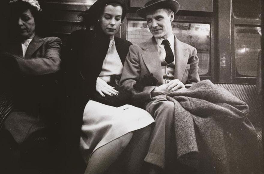 Нью-Йоркская подземка 1946-го глазами 17-го Стэнли Кубрика: высшее общество в метро