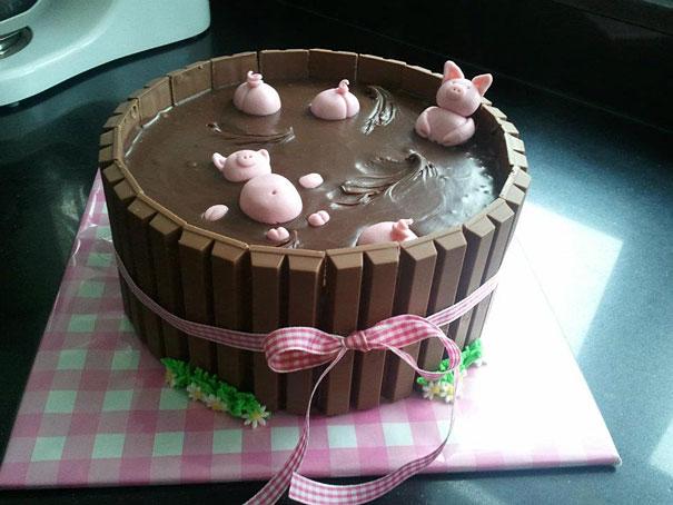 Хрюшки, принимающие «грязевые» ванны - торт