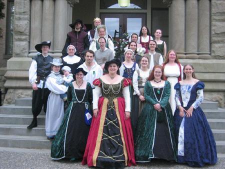Нужен средневековый костюм для вечеринки в стиле «Ренессанс» или на Хэллоуин?