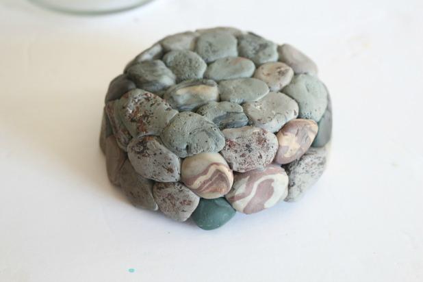 цветочный горшок из камней из полимерной глины