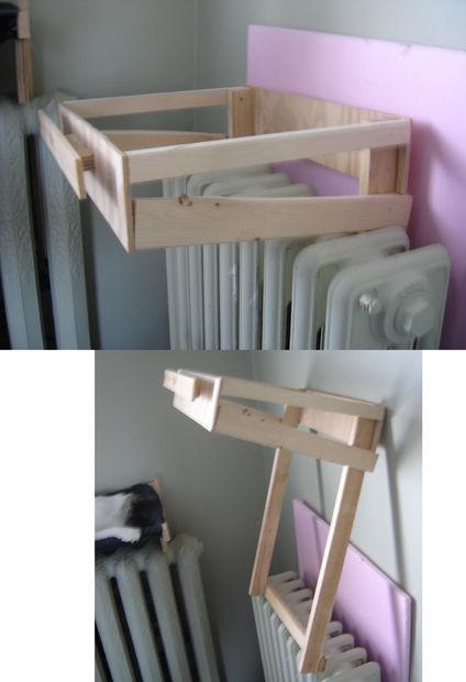 готовый деревянный каркас гамака-лежака в виде грамотной надстройки на батарею