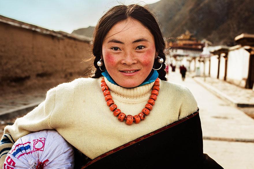 Атлас красоты, девушка с Тибетского плато, Китай