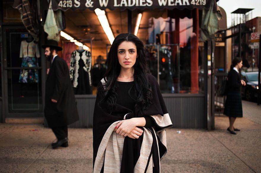 Атлас красоты, девушка из Нью-Йорка, США, но корни имеет другие