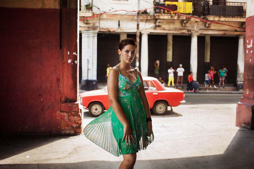 Атлас красоты, девушка с Гаваны, Куба