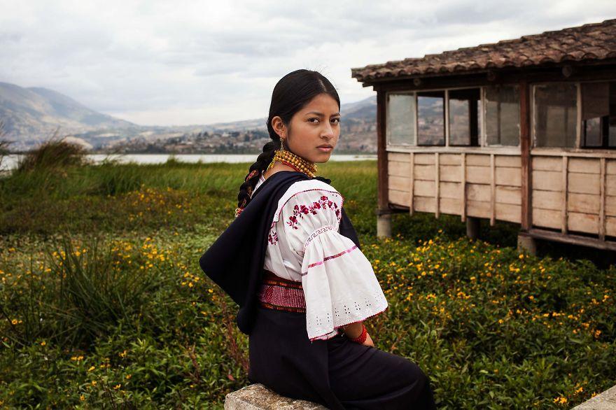 Атлас красоты, девушка из Отавало, Эквадор