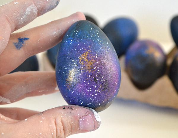 галактические яйца на Пасху своими руками - туманность