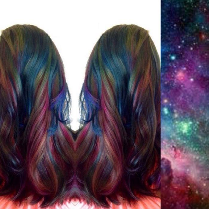 Что интересно, «космические волосы» предполагают как легкое изменение оттенков отдельных прядей, т. е. основная масса волос при этом остается нетронутой