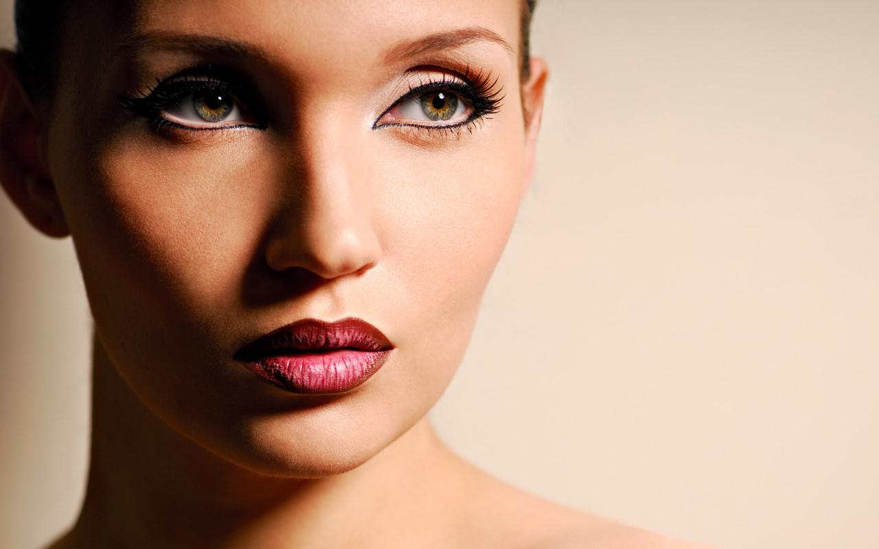 Как сделать идеальный праздничный макияж?