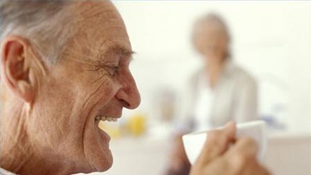 установлено, что участники, потреблявшие несколько чашек кофе в день, были меньше подвержены риску смерти от болезни сердца